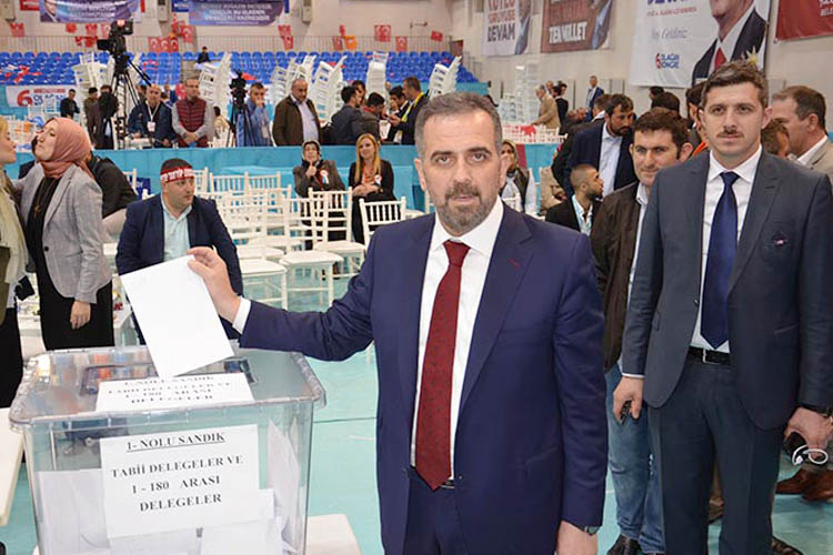AK Parti Beykoz'da delegelerini seçiyor