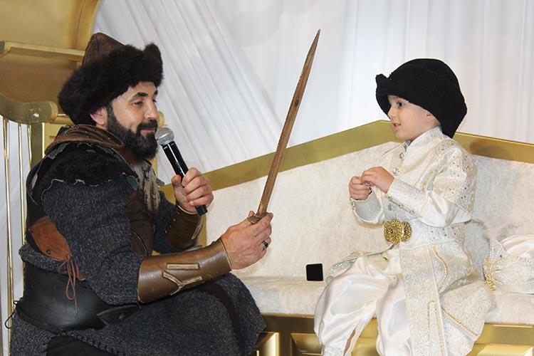 Şehit Murat Akdemir'in yadigarına sünnet düğünü
