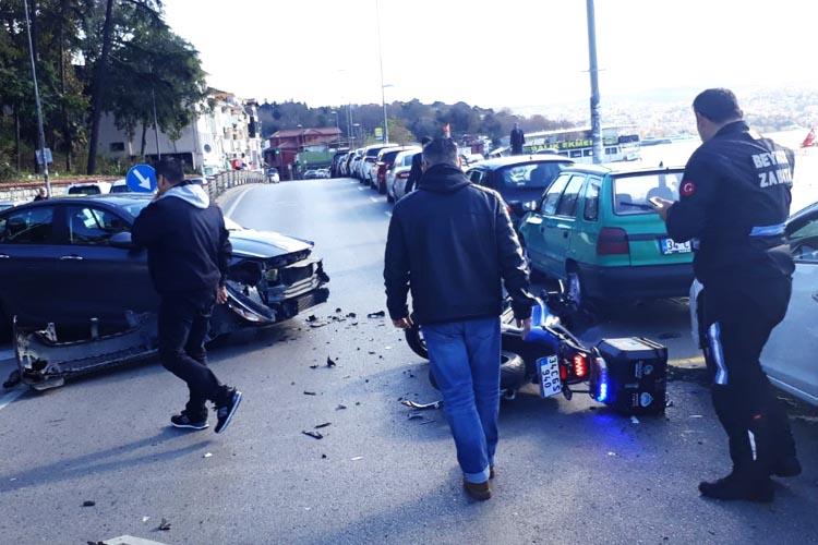 Beykoz Belediyesi motorlu zabıta ekibi kaza yaptı