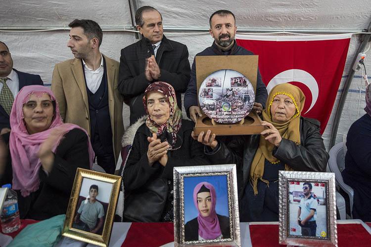 Beykozlular, Diyarbakır Annelerinin yanında