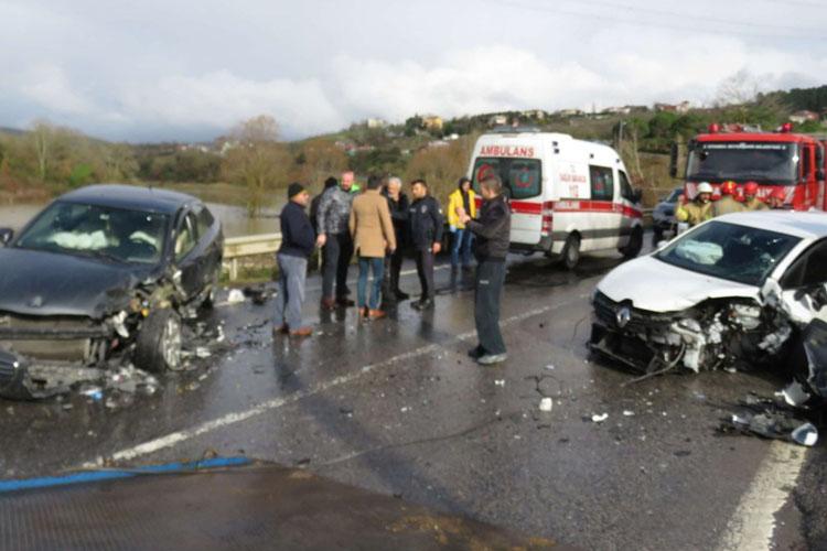 Beykoz Çavuşbaşı'nda trafik kazası 2 yaralı