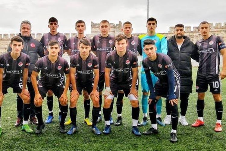 Beykoz'daki tek spor lisesi yarı final maçına çıkacak