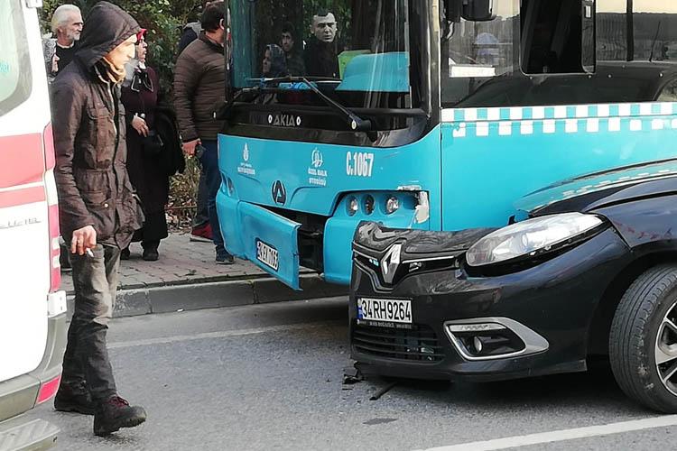 Özel Halk Otobüsü Beykoz Sahilinde kaza yaptı