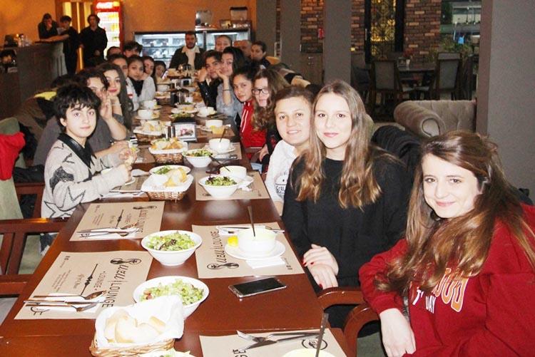 Beykoz Asenaları Başkan Özdemir ile buluştu