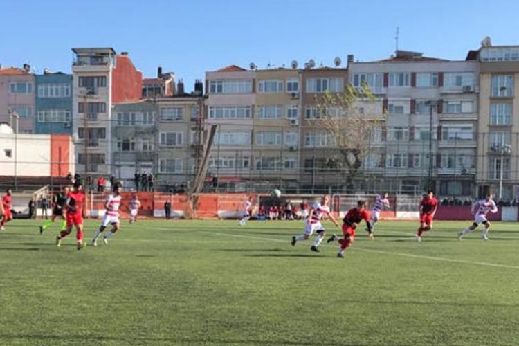Ortaçeşmespor Feriköy'den tek puanla döndü: 3-3