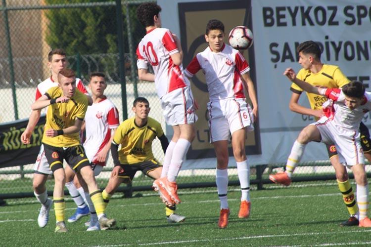 Beykoz 1908 AŞ U17 takımı şampiyonluğa koşuyor: 1-0
