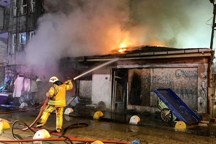 Beykoz Paşabahçe'de işyeri yangını