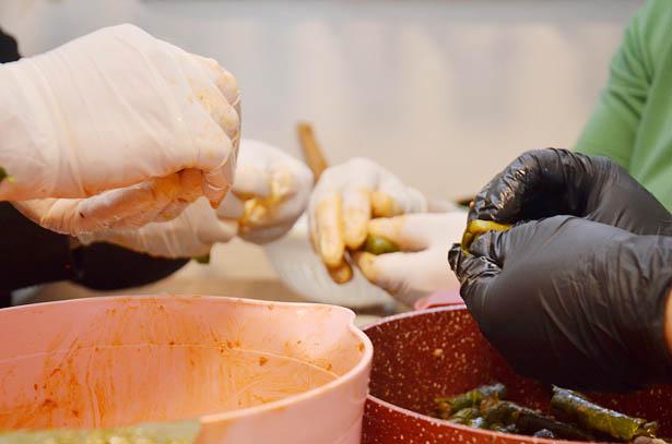 Beykoz'un sağlıkçıları ev yemekleriyle besleniyor