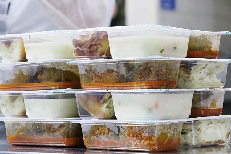 Beykoz'da ihtiyaç sahibi 10 bin aileye gıda yardımı