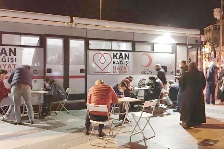 MHP Beykoz, Kızılay'ın bağış çağrısına cevap verdi