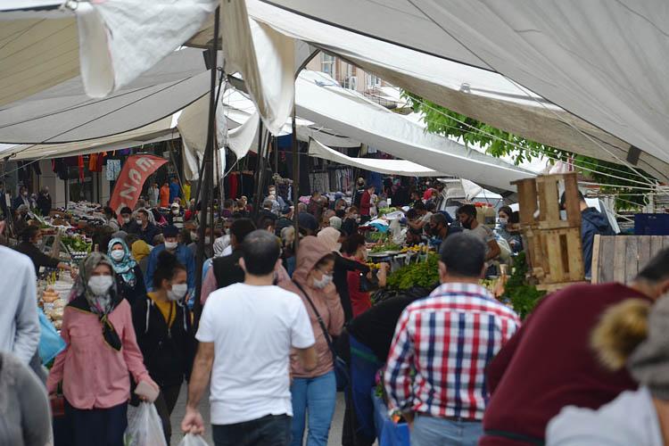 Beykoz'da bayram öncesi çarşı pazar hareketliliği