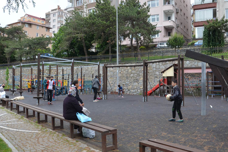 Beykoz'un miniklerine sokakta hava muhalefeti