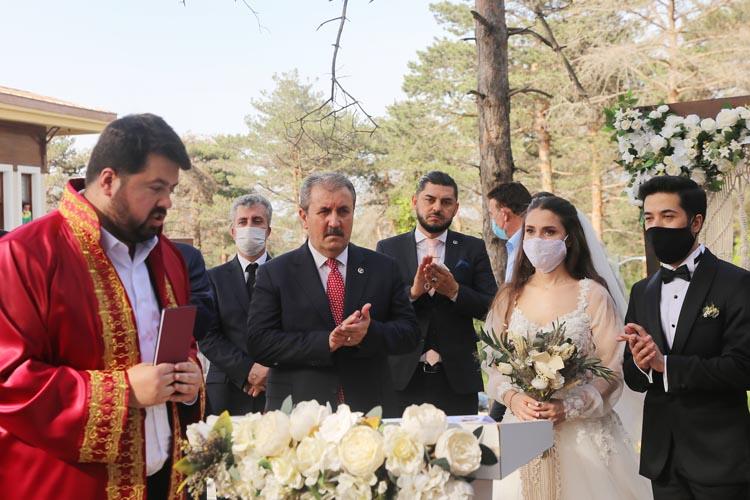 İstanbul İl başkanın kızı Beykoz'da dünya evine girdi