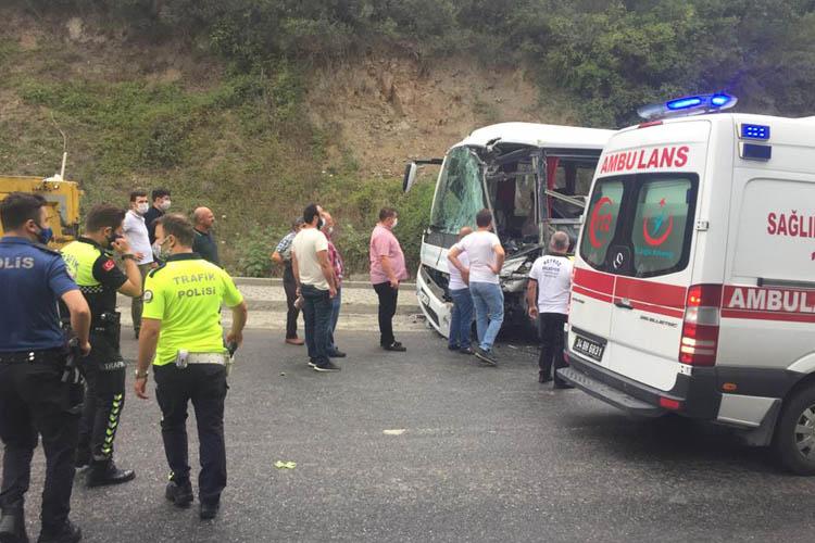 Beykoz'da belediye araçları kaza yaptı, 7 yaralı