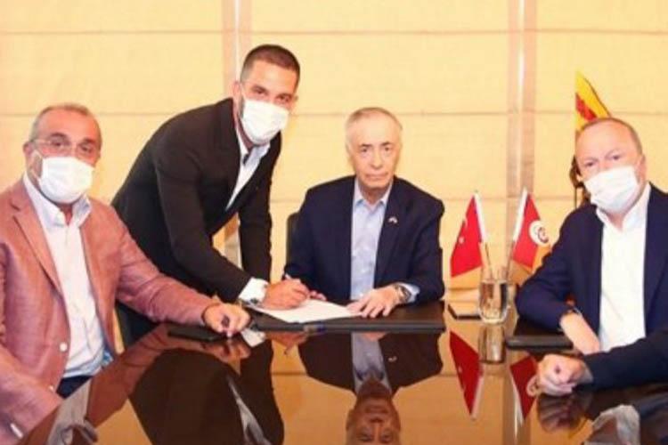 Arda Turan, Galatasaray'a Beykoz'da imza attı