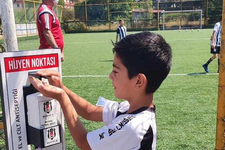 Beykoz BJK Futbol Okulunda antrenmanlar başladı