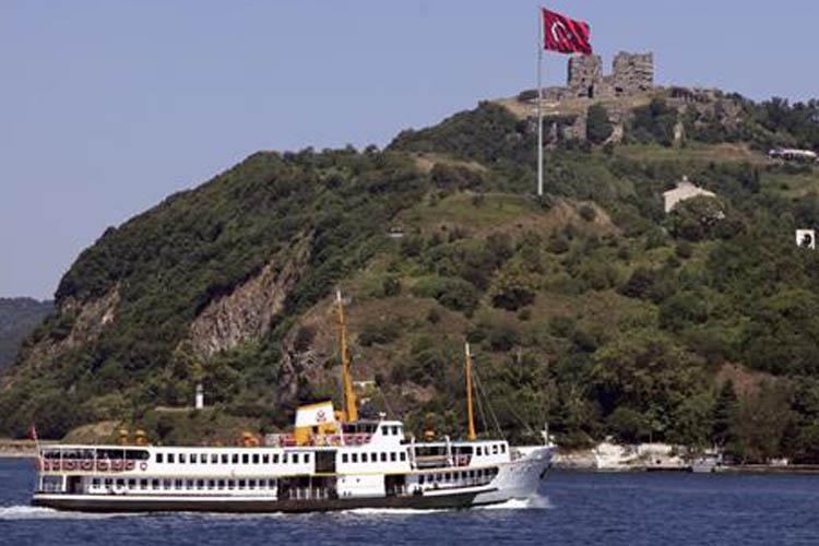 Beykoz iskelelerinden Boğaz Turu başladı