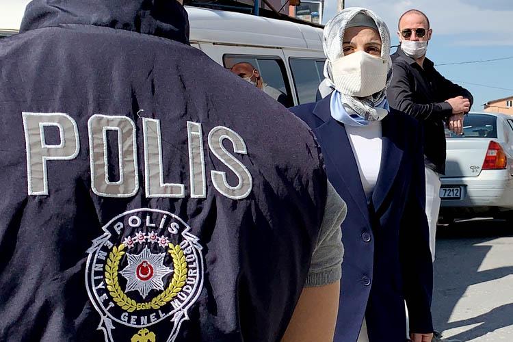 Beykoz Soğuksu'da vatandaşların otobüs isyanı
