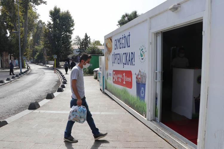 Beykoz 'atma ayır' sloganıyla 180 ton atık topladı