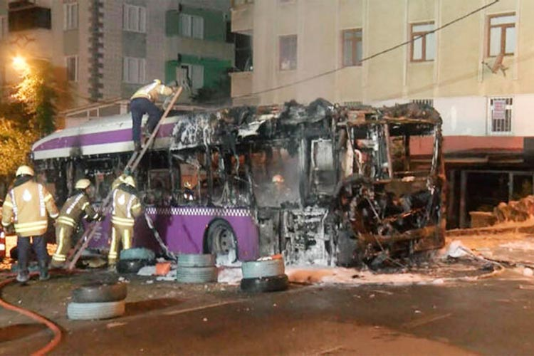 Beykoz Kavacık'ta halk otobüsü yangını