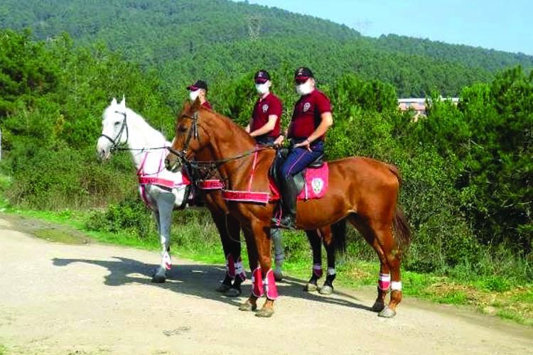Beykoz ormanlarında atlı polis denetimi