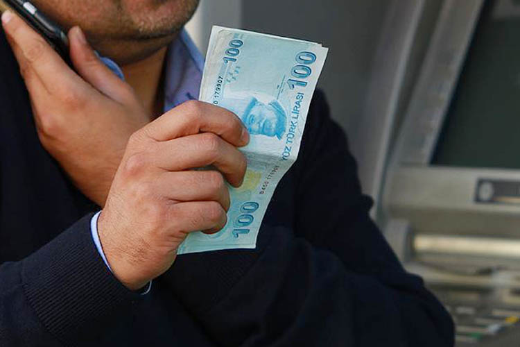 Beykoz'da ekonomi uzmanı profesörü dolandırdılar
