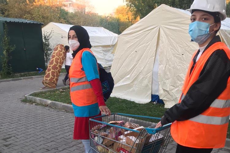 Beykoz'un İYİLİK Delileri soluğu İzmir'de aldı
