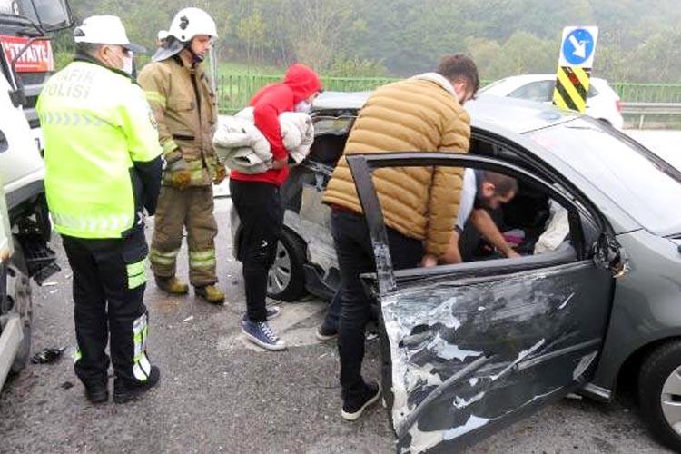 Beykoz Çavuşbaşı'nda trafik kazası.. Yaralılar var