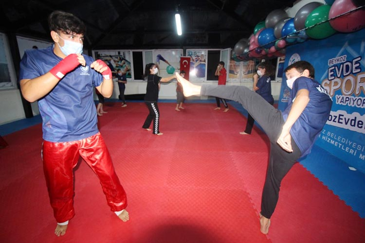 Beykoz'un kick bokscularına durmak yasak