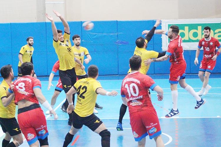 Beykoz Belediyespor Bursa'dan tek puanla döndü: 30-30