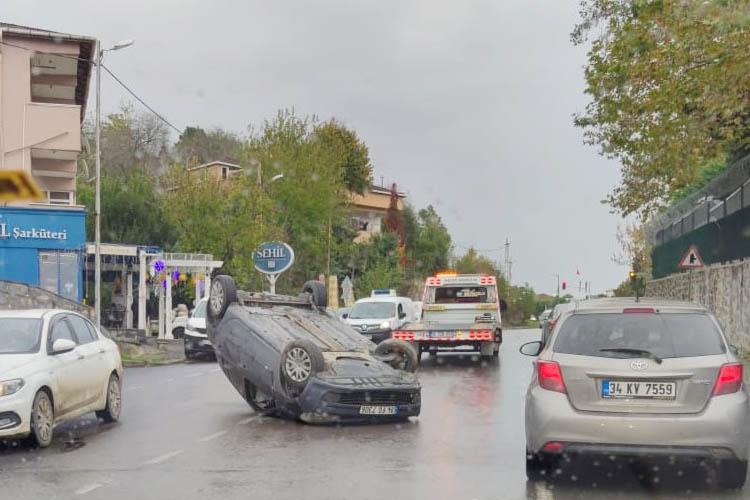 Beykoz'da ıslak yol faciaya neden oldu