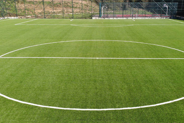 Beykoz Yenimahalle'ye FIFA standartlarında saha