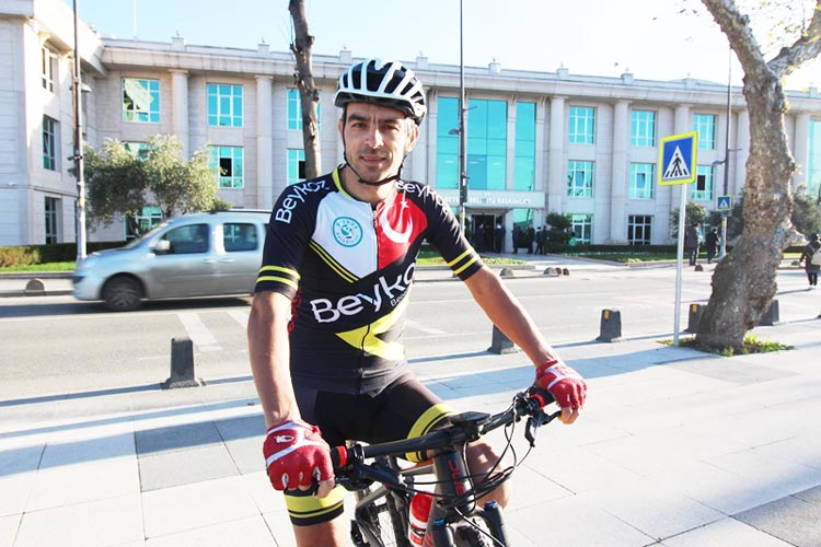 Beykoz'un dağ bisikleti şampiyonu dur, durak bilmiyor