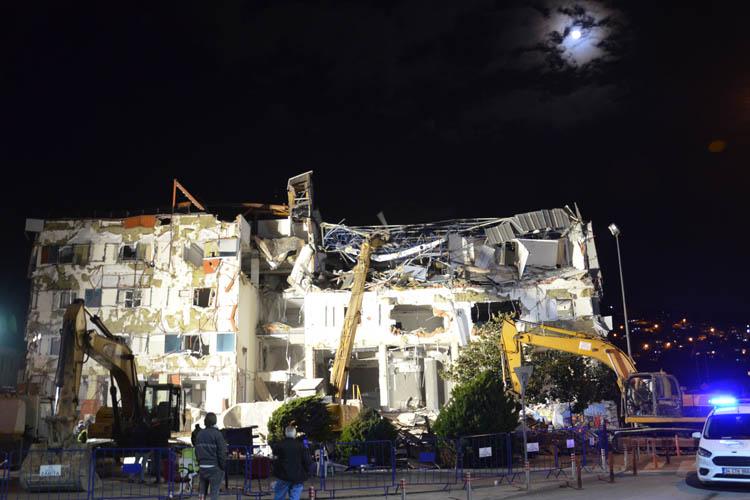 Beykoz Necmettin Erbakan Kültür Merkezi yıkıldı