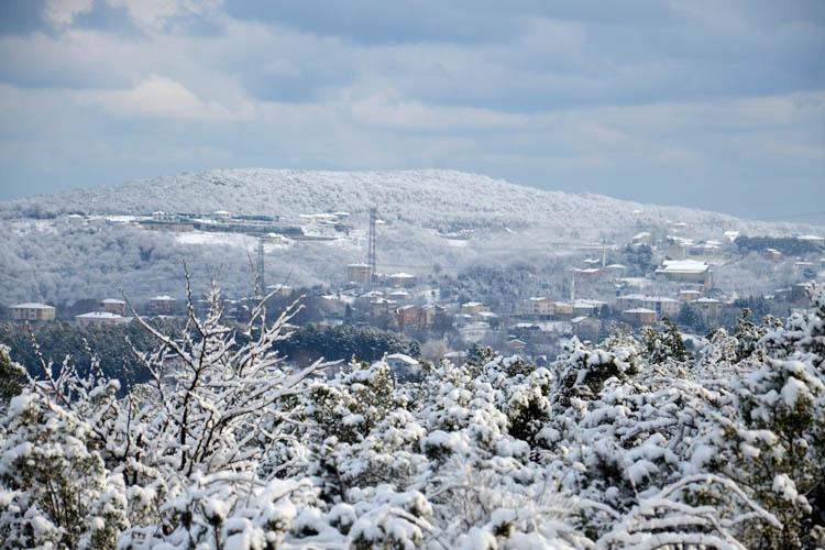Beykoz'un yüksek kesimlerinden kar manzaraları