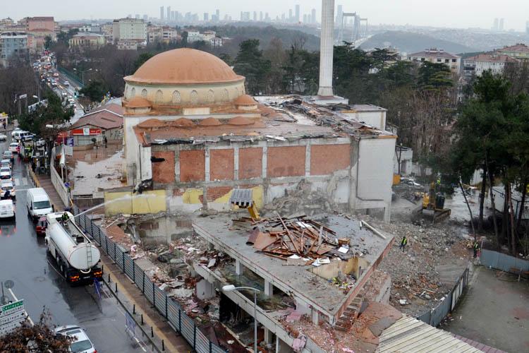 Beykoz Hasan Yavuz Camisine ait yapılar yıkıldı