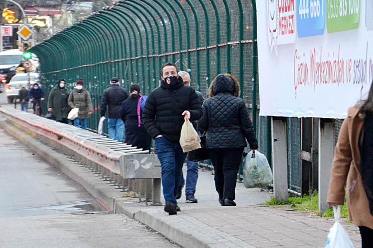 Beykoz'da sokağa çıkma yasağı öncesi yoğunluk