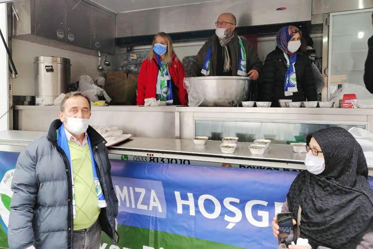 Beykoz'da yemeği hastanede bizzat ikram ettiler