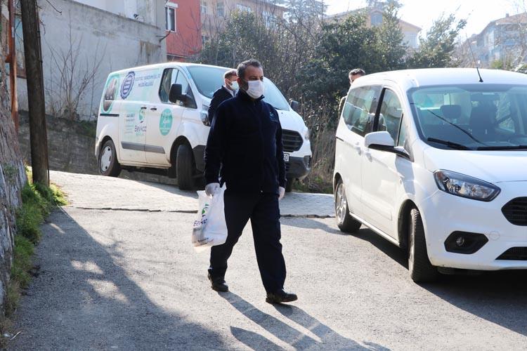 Beykoz Belediyesi sıcak yemeği evinize getiriyor