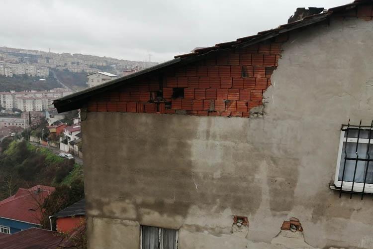 Beykoz'da sağanak etkili oldu yıldırım düştü