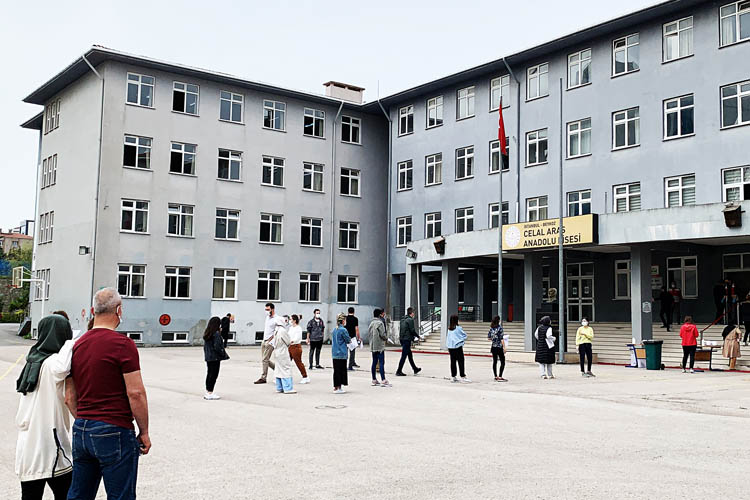 Beykoz'da adaylar ALES-1 sınavına girdi