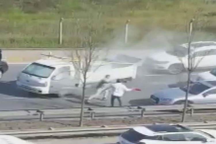 Beykoz'daki yol kavgasında yangın tüpüyle saldırdı