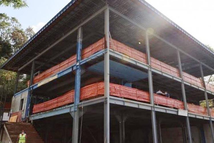 Beykoz'daki binanın çelik aksamları ne oldu?