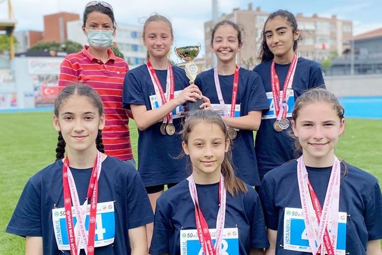 Beykoz'un küçük atletleri şov yaptı