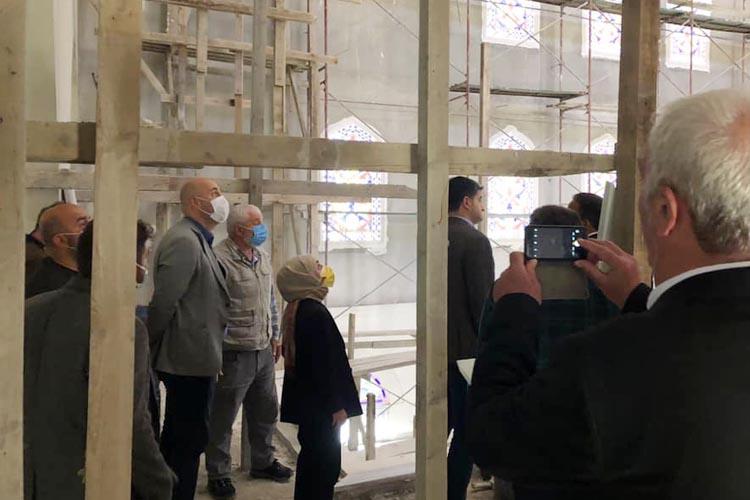CHP'li vekiller Beykoz'da cami inşaatını inceledi