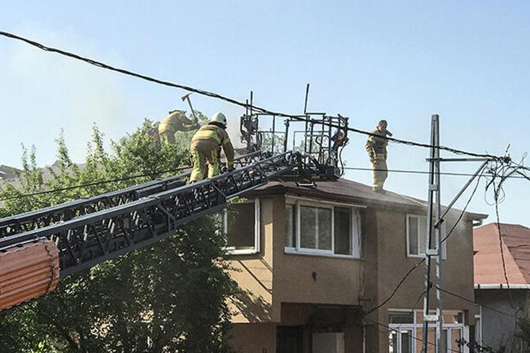 Beykoz Çavuşbaşı'nda çatı yangını