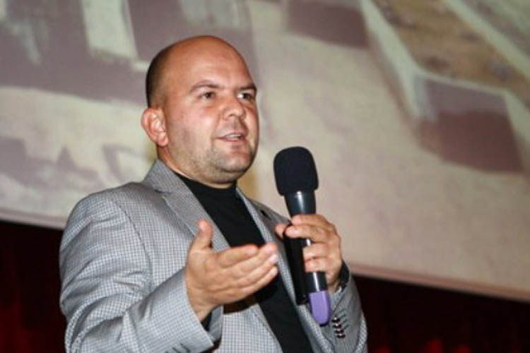 Beykoz'da konuşan yazar FETÖ'den hapis cezası aldı