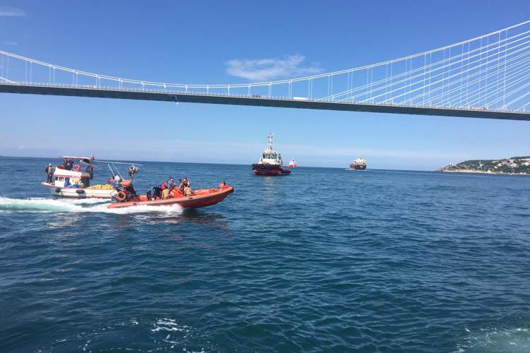 Beykoz açıklarında gemi ile tekne çarpıştı... 2 ölü