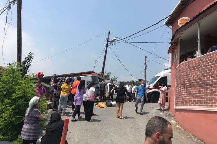 Beykoz'da yokuş aşağı kayan araba bir kişiyi ezdi