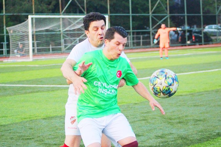 Beykoz Ortaçeşme Stadında futbol rüzgarı esti
